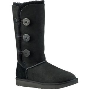 Black Bailey Button Triplet Uggs