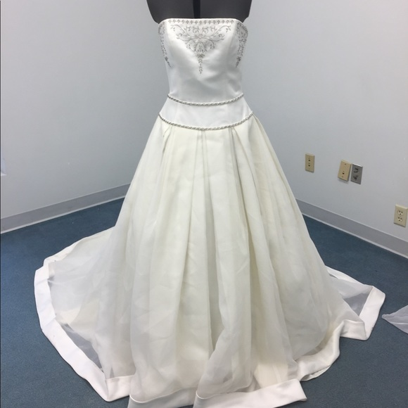 Wedding Dresses Closeout