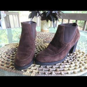 Bandolino ankle boots 6.5 raffia brown suede