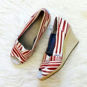 NWT Toms Canvas Espadrille Wedges