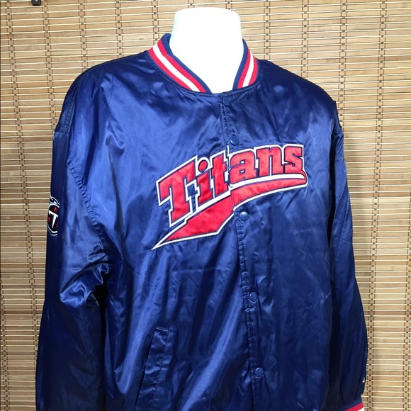Tennessee Titans Vintage Nylon Jacket medium. M 59a717b013302a2ee001105c 473beb4df