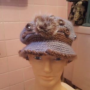 Accessories - Gorgeous hand knit hat