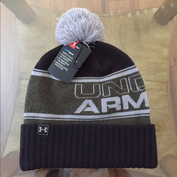 0a17cabeeed UNDER ARMOUR RETRO (OS) MENS POM BEANIE
