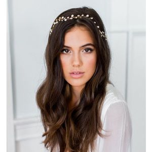 Accessories - Bridal freshwater pearl hair vine