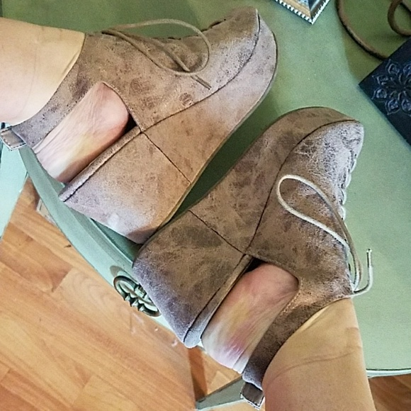 62eb56903cb4 corkys Shoes - Corkys For sale 💗💗Distressed look💗GORGEOUS