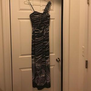 Valerie Bertinelli black and white tank top dress