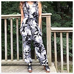 Pants - 🆕 black and white floral print jumpsuit