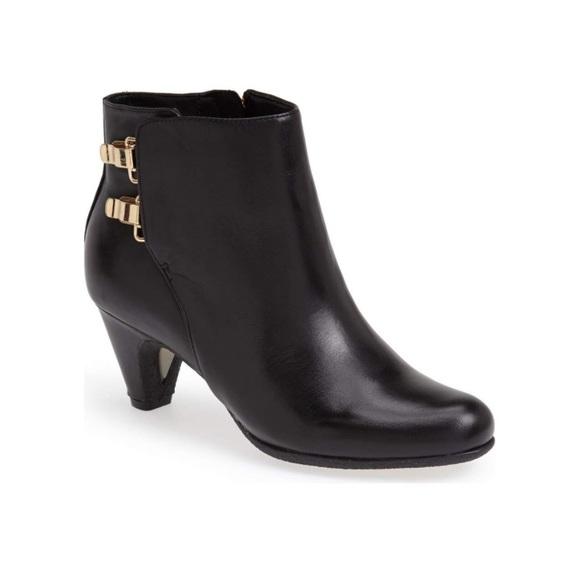 8753e7b3c605b8 Sam Edelman Marmont Black Leather Bootie 7.5