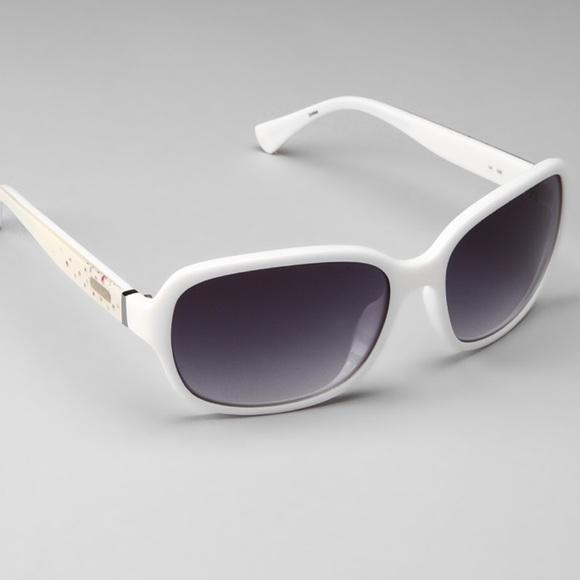 279eccf8e1b6 ... usa authentic white coach sunglasses with rhinestones b5ac3 c76ea