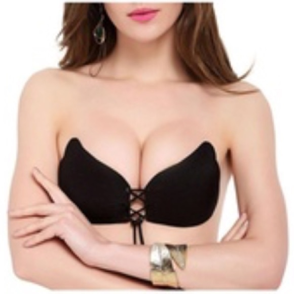 507cac8396 Cleavage Couture 💋 Lace Up Strapless Sticky Bra