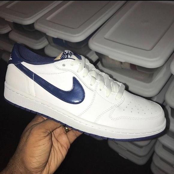 Air Jordan Low Retro Metallic Blue