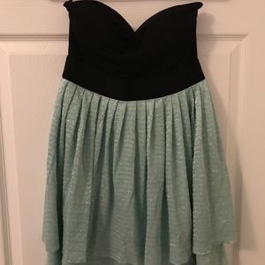 Dresses & Skirts - Strapless black and turquoise dress