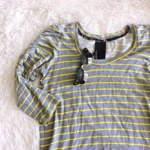 ANTHROPOLOGIE grey+yellow striped 3/4 sleeve top