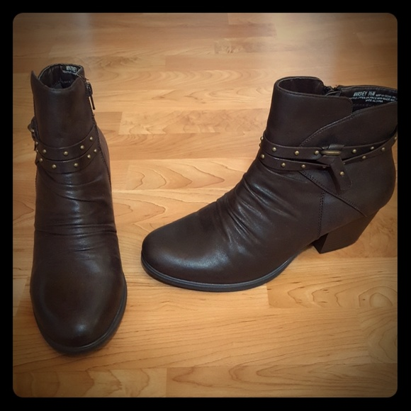 Yuu Womens Size 9 2 Brown Ankle Boots