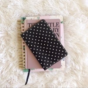 Black+white polka dot passport cover