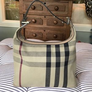 Burberry classic plaid purse