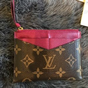 294882e2 Louis Vuitton zipped card holder