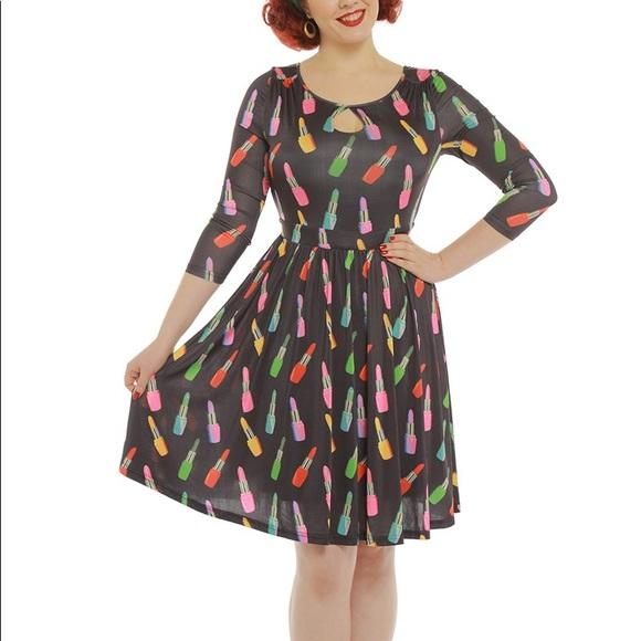 Lindy Bop Dresses & Skirts - Lindy Bop Helen Lipstick Keyhole dress