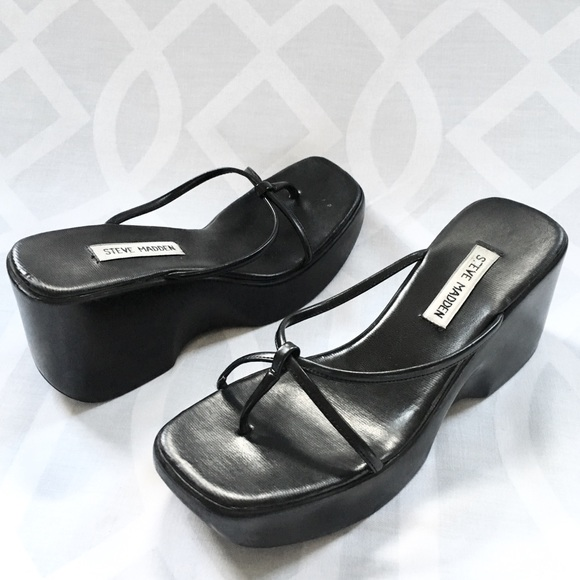 032cd1f43d9 ... STEVE MADDEN 90s Platform Sandal. M 59a85645eaf0306030035983