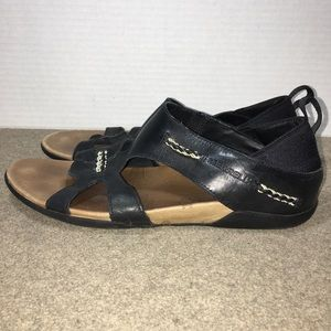 bf6af04205ce Merrell Shoes - Merrell Flaxen Black Leather Sandals Women s Sz 10