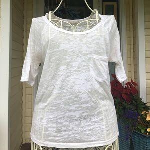 Forever 21 Tops - Forever 21 white short sleeved t-shirt