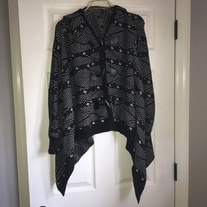 Forever 21 Sweater Poncho (S)