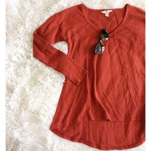 SUN&SHADOW  burnt orange long sleeve high-low top