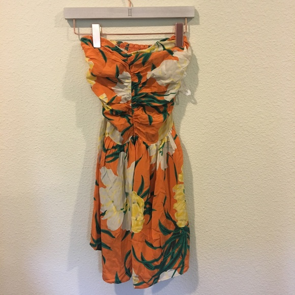 Tucker Dresses & Skirts - Tucker orange and white floral strapless dress