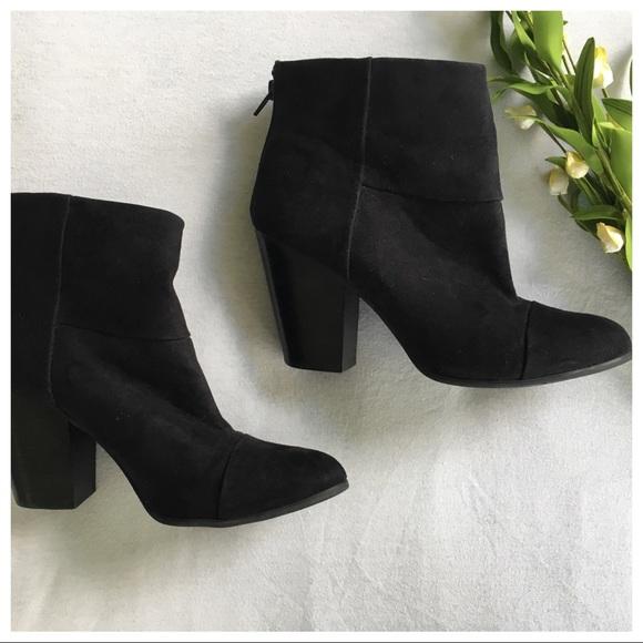 6f22a96cba9a Carlos Santana Shoes - Carlos Remington Black Ankle Boots Size 9.5