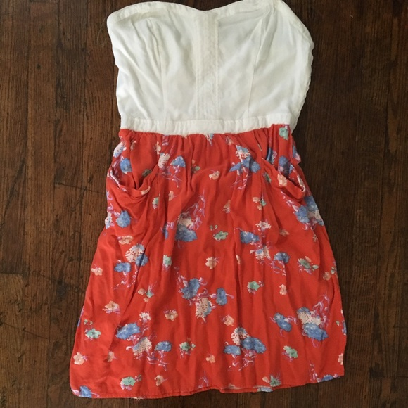 Xhilaration Dresses & Skirts - Strapless flowery sundress