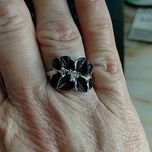 Jewelry - Platinum Plated Flower Ring