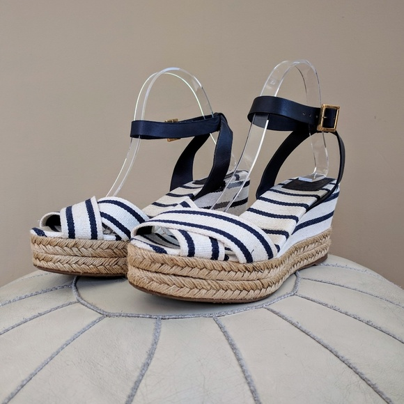 bfbdbf082c4 Tory Burch Karissa Wedge Sandals Sz 9. M 59a892db4127d0cce80012e8