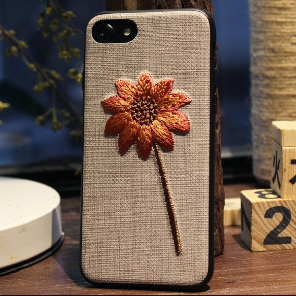 online retailer 886f7 715a0 HPEmbroidered Sunflower iPhone 7/8/7P/8P Case Boutique