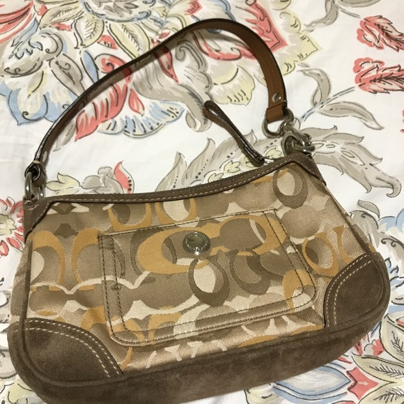 Coach Handbags - Signature Coach shoulder bag!