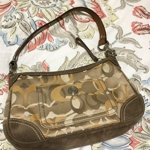 Coach Bags - Signature Coach shoulder bag!