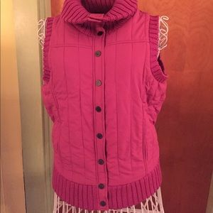 Bcbg max Azria fuchsia sweater wool button up vest