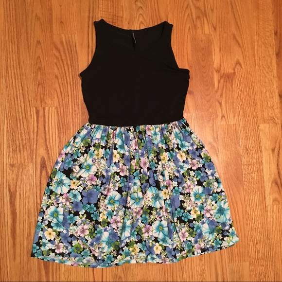 Paolino Dresses - OFFERS WELCOME ⭐️ Black Floral Fit & Flare Dress
