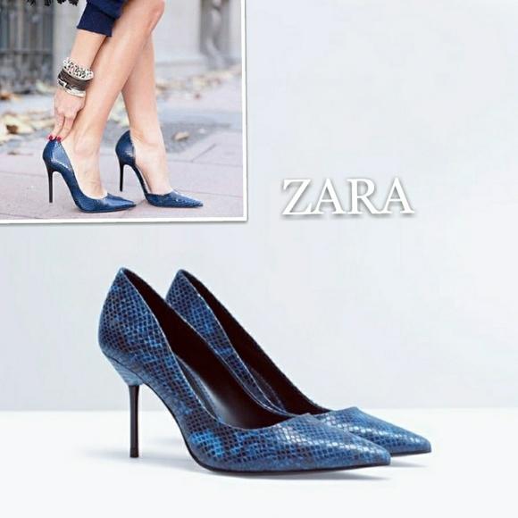 b5204cb836a Zara Classic Navy Blue Snakeskin Print Court Shoes