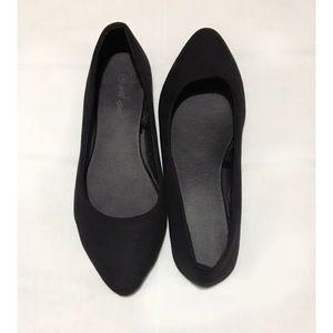 Wet Seal • Black Flat Shoes