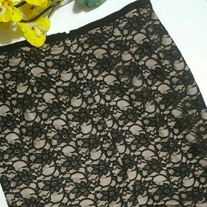 IVANKA TRUMP BLACK LACE SKIRT WITH NUDE LINING