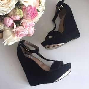 *REDUCED* STEVE MADDEN XTRIME BLACK SUEDE WEDGE
