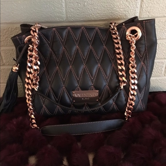 e93f569948 Valentino Milano Black & Rose Gold Quilted Bag. M_59a9a34e78b31cd4d300303d