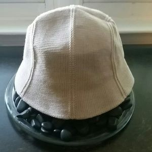 Accessories - Lightweight hat