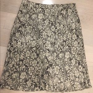DKNY 100% Silk Grey Flowered Skirt.  Perfect!