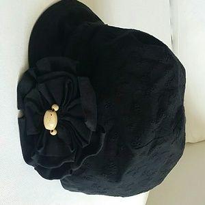Very cute designer hat w large flower  wood beadi