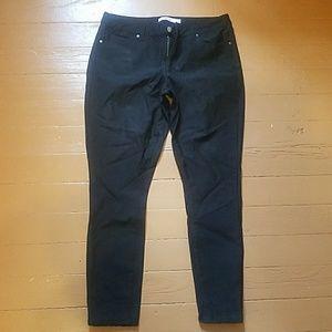 Black JustFab jeans size 34