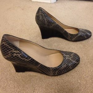 Ellen Tracy Snake Print Leather Wedges - Size 7