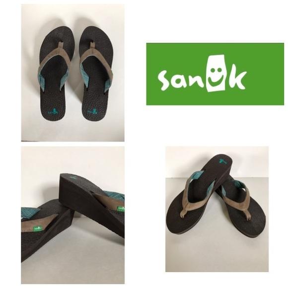 d396ca583037 Sanuk Yoga Mat Wedge Sandals Flip Flips NEW 8 EU39.  M 59a97a4b4e95a3868f012ee4