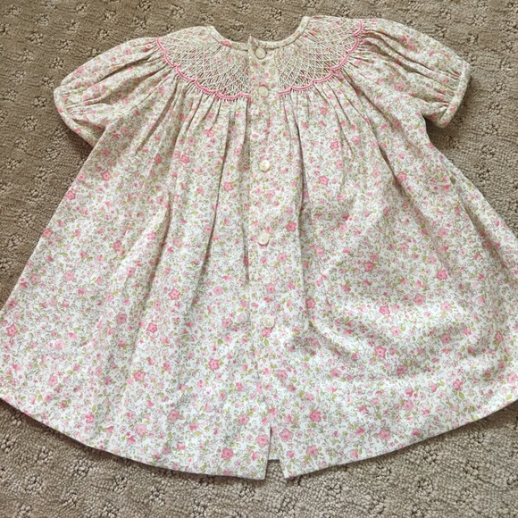 Luli & Me Dresses - Luli & Me Smocked Floral Baby Dress - size 3M