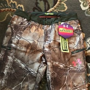 Under Armour Real tree camouflage pants